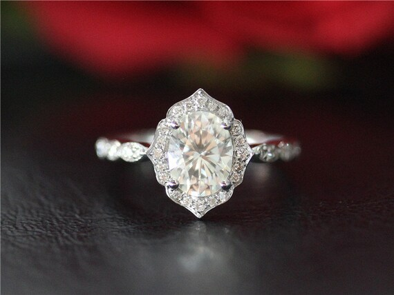 unique wedding ring vintage floral 09ct oval moissanite