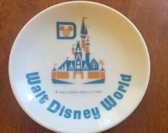 Disney Walt Disney World Plate Magic Kingdom