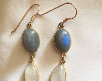 Peter fine labradorite and Moonstone earring