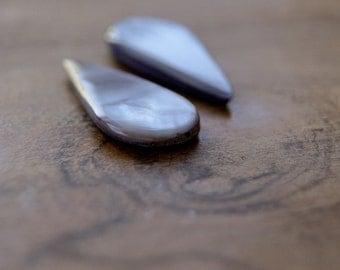 teardrop shell bead, teardrop bead, teardrop shell, flat teardrop, shell bead, sea shell bead, violet shell teardrop shape beads 10x20mm