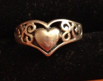 Sterling silver heart ring size 7 1/4