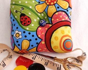 Ladybug Pin Cushion, Flower Pin Cushion, Bumble Bee Pin Cushion, Square Pin Cushion, Colorful Pin Cushion, Ladybug Pincushion, Pin Cushion