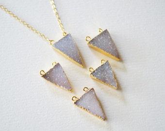 Druzy Arrowhead Necklace,Druzy Triangle Necklace,Druzy Necklace,Gold druzy necklace,Small druzy pendant necklace,Druzy Jewelry,Necklaces.