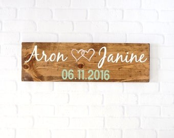 Save the Date Sign- Wedding Date Sign- Wedding Photo Props- Engagement Signs- Wedding Signs - Rustic Wedding- Wedding Props- Wood Sign