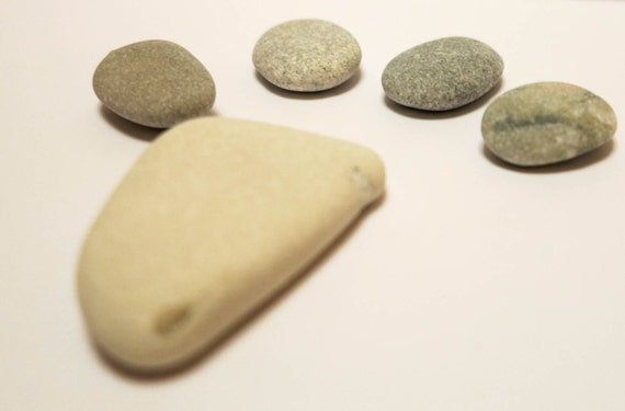 5 beach stones smooth flat beach rocks nature decor craft for Where to buy flat rocks for crafts