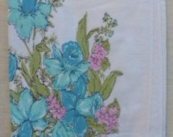 """E Vintage BLUE FLOWER TABLECLOTH  53""""x43"""""""