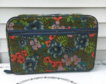 Vintage Bantam Travelware Printed Suitcase