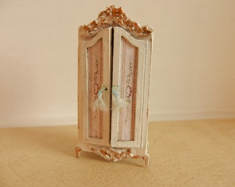 1:48 French Rococo Armoire