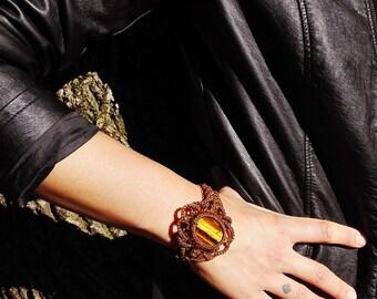 Macrame bracelet with Tiger eye and brass beads