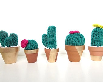 Three crochet cactus in terracotta pots - Pick three!