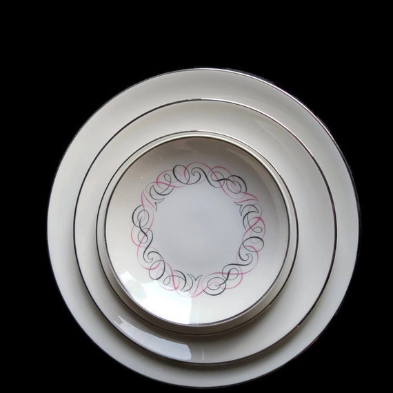 Setting for four - Mid Century Modern Atomic gray and pink scroll plates by Park Lane, 4 pieces per setting ~ vintage kitchen ~ vintage gift