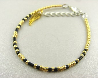 Shipping bracelet - Sabriel