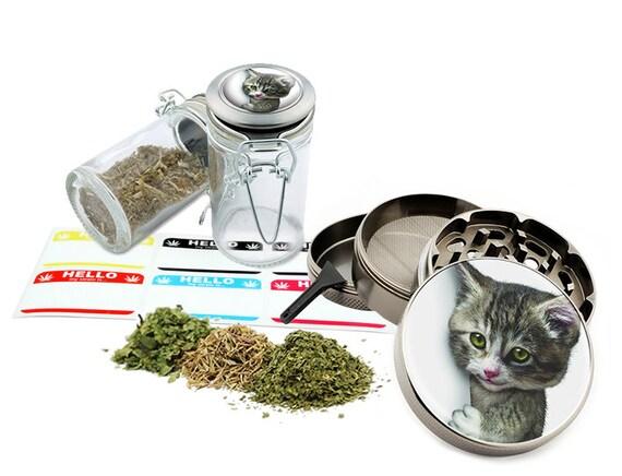"Cat - 2.5"" Zinc Alloy Grinder & 75ml Locking Top Glass Jar Combo Gift Set Item # 50G102015-27"
