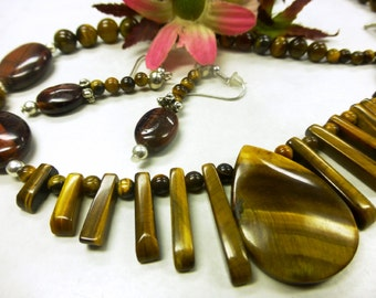 Brown Tiger eye set in refined style