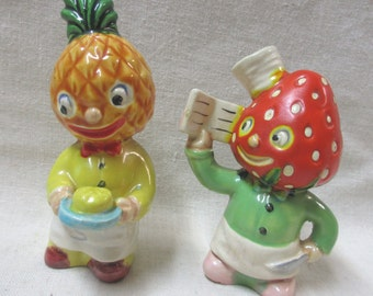 Adorable Vintage Anthropomorphic pair of Pineapple and Strawberry Chef Salt and Peppers