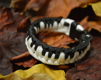 Piano Keys Paracord Bracelet
