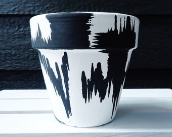 White and Black Hand-Painted Pot//Hand-Painted Flower Pot//Hand-Painted Terracotta Pot