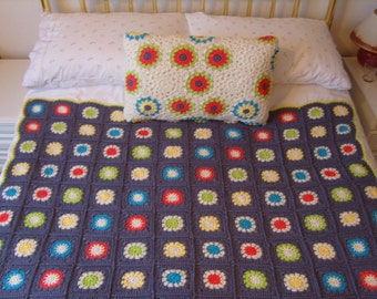 crochet throw / blanket and pillow