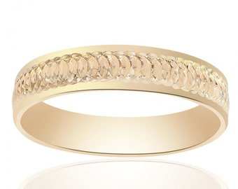 5.0mm 14K Yellow Gold Mens Band With A Textured Center