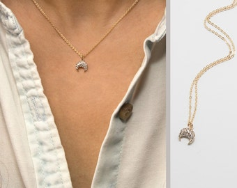 Diamond Horn Necklace, 14k Gold Filled Chain, Dainty Gold Horn Necklace, minimal Delicate Necklace with CZ stones