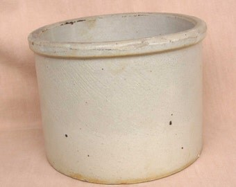 VINTAGE White STONEWARE -  1/2 Gal. CROCK - early American Collectible from 1940's