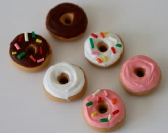 Miniature Donuts - set of 6 donuts, Polymer Clay Dollhouse Food