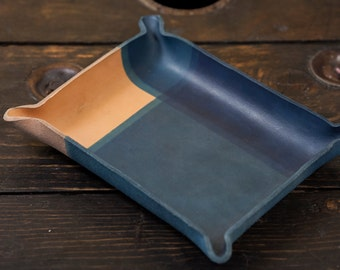 Indigo Dipped Leather Catchall Tray with Intersecting Lines Dip Pattern