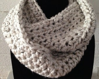 Chunky Infinity Scarf Cream Tweed Circle Scarf Cowl Crochet Knit