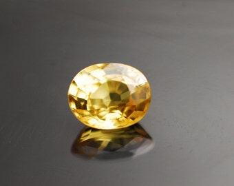 Loose Gemstones, Sapphire, Canary Yellow Gemstones, Faceted Gemstones, oval cut 1.35ct