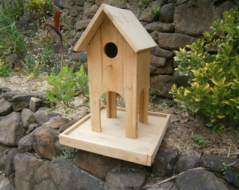 Large bird feeder / bird house