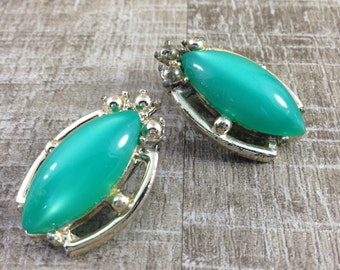 Gorgeous Vintage Gold Tone Green Moonglow Cab Abstract Clip Earrings