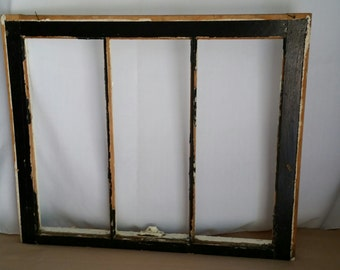 Vintage Farm House Chippy Paint Window Frame