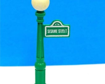 Vintage Fisher Price Little People Sesame Street Lamp Post Street Sign