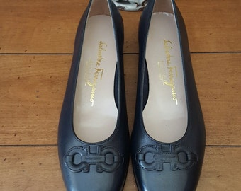 Vintage Salvatore Ferragamo Leather ballet flats NEW sz 5.5 RARE FIND!