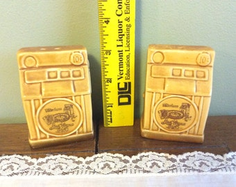 Vintage Fabulous Las Vegas ceramic Salt and Pepper Shakers