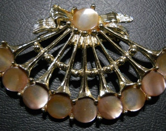 Vintage Gold Tone and Mother of Pearl Brooch.