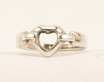 Sterling Silver Heart Fashion Ring
