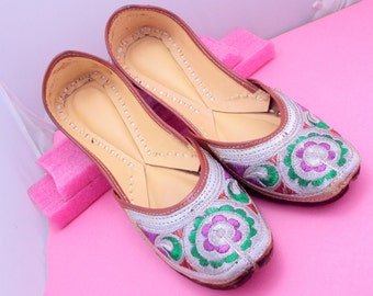 Multi Color Embroidery Shoes/Women Shoes/Women Shoes/Punjabi Shoes/ Ethnic Shoes/Indian Shoes/Bohemian Shoes