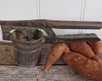 Antique potato ricer/vintage potato ricer/green/strainer/masher/kitchen utensils