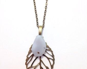 Teardrop Agate   Leaf Pendant Necklace