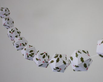 Christmas paper garland - Holly pattern