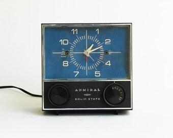 vintage Admiral Solid State clock radio