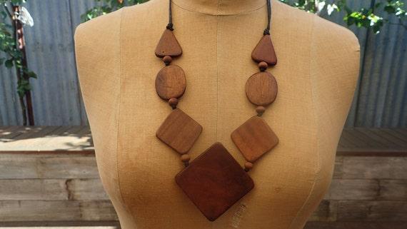 Brown wooden bead