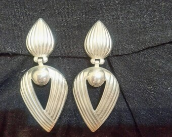 Timeless vintage silver clip on chandelier earings circa 1970