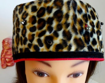 Leopard Hat Sparkles!