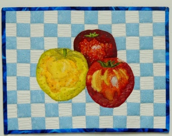 Quilted Wall Hanging Apples