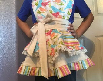Girls sping apron