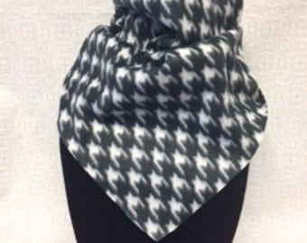 Black and White Hounds Tooth