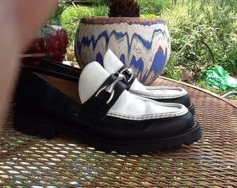 Vintage mens size 10.5 D kenneth cole reaction navy blue and white chunky loafers grunge dress up flashy well dressed man