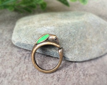 Bunny Ring, Rabbit Ring, Antique Silver Rabbit Jewelry, Adjustable Ring, Bunny Wrap Ring, Green Ear Bunny, Hare Ring, Animal Ring, Gift